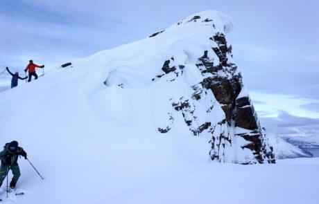 Skitouren Lyngen, Abfahrt vom Storhaugen zum Fjord